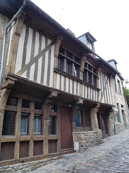File:38 rue du Jerzual.jpg Исторические памятники Динана, достопримечательности Динана, фотографии Динана