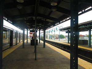 61st Street–Woodside (IRT Flushing Line) - Platform view