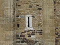 728 San Miguel de Lillo (Oviedo), façana sud, contraforts i espitllera.jpg