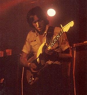 Allan Holdsworth - Image: AH 1975 s