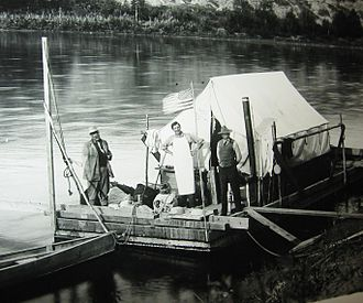 Barnum Brown - The AMNH scow Mary Jane in 1911. Left to right: Henry Osborn; Fred Saunders (cook from Stettler, Alberta) and Brown