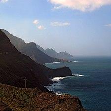 Acantilados en Gran Canaria.jpg