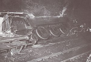 Sevenoaks railway accident - Image: Accident ferroviaire de Sevenoaks locomotive A800 photo 1