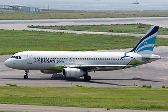 Air Busan, A320-200, HL7744 (18799902713).jpg
