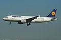 Airbus A320-211 D-AIQD Lufthansa (7031408967).jpg