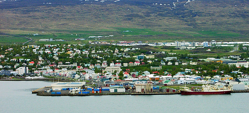 File:Akureyri-Harbor-20030602.jpg