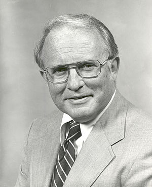 Alan M. Lovelace - Image: Alan Lovelace, official NASA photo portrait