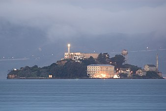 Alcatraz dawn 2005-01-07
