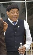 Al Jarreau at book drive event held at the Department of Education on August 25, 2004