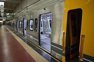 Line D (Buenos Aires Underground) - Buenos Aires Underground 100 Series rolling stock