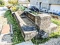 Ancienne fontaine-lavoir à Botans.jpg
