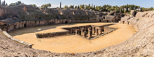 Anfiteatro de las ruinas romanas de Itálica, Santiponce, Sevilla, España, 2015-12-06, DD 34-45 PAN HDR
