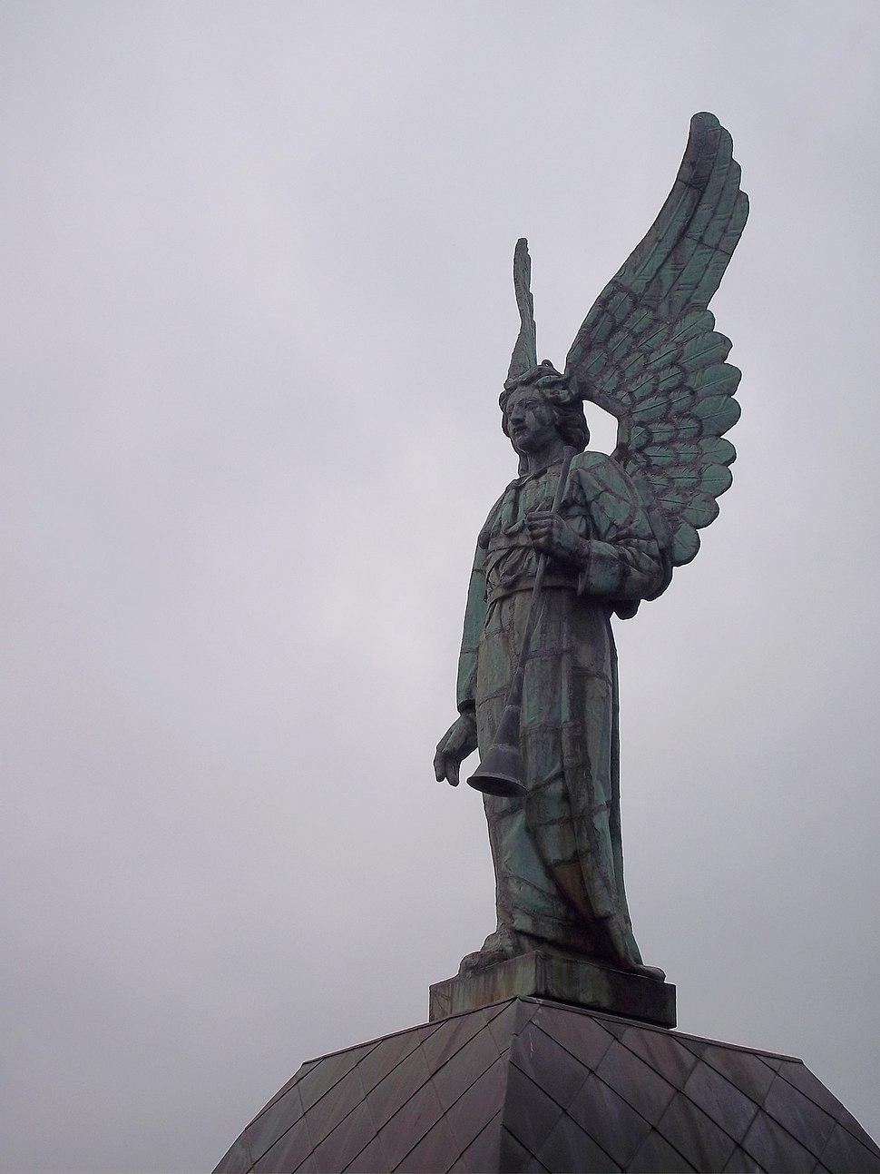 Angel Notre-Dame-de-Bon-Secours Chapel 2