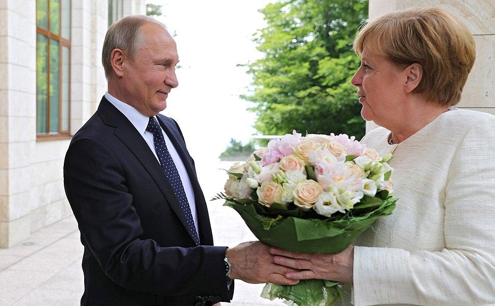 Angela Merkel and Vladimir Putin (2018-05-18) 01