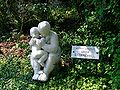 Anya gyermekkel Pécs Kutas.JPG