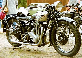 Ariel Motorcycles - Image: Ariel Red Hunter 1932
