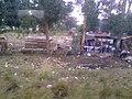Asentamiento a la par de la via - panoramio.jpg
