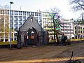 Aushub per Bagger 1m Alter St. Nikolai-Friedhof Nikolaikapelle Hannover, 01 Blick Richtung Goseriede fern.JPG