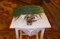 Búzaszentelésre előkészített búza a Sajónémeti templomban.png
