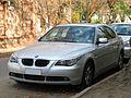BMW 525i 2005 (15168796047).jpg
