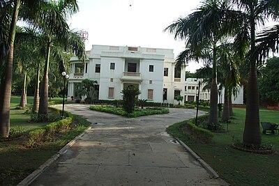 Bahai-House-New-Delhi-02.JPG