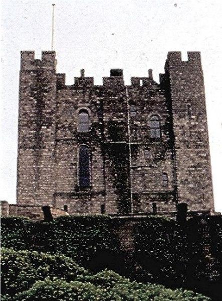 File:Bamburgh Castle - geograph.org.uk - 261046.jpg