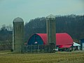 Barn with a Red Roof and Two Silos - panoramio.jpg