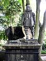 Baron Carl Otto Unico Ernst von Malortie Figur von Carl Dopmeyer Figur von hinten, Herrenhäuser Friedhof Hannover Herrenhausen.jpg