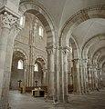 Basilique Sainte-Marie-Madeleine de Vézelay PM 46492.jpg