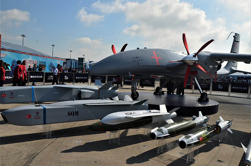 AKINCI طائرة تركية مسلحه مسيره جديده  800px-BayraktarAk%C4%B1nc%C4%B1_Teknofest2019_%281%29