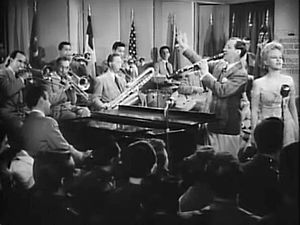 Smoke Gets in Your Eyes - Benny Goodman and his orchestra performing with Peggy Lee.