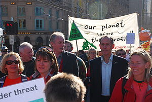 English: Senator Bob Brown at a climate emerge...