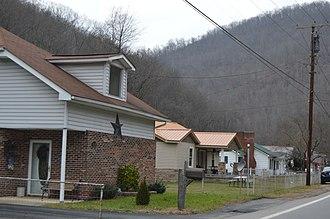 Bob White, West Virginia - Houses on WV 85