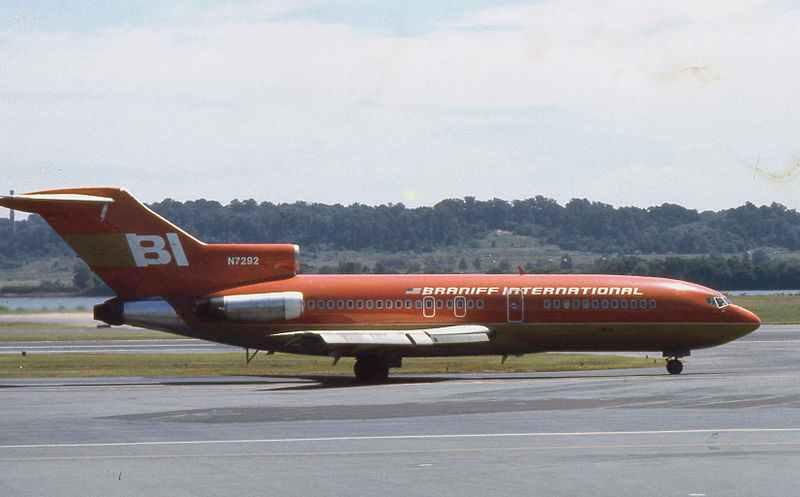File:Braniff International Boeing 727 N7292 01.jpg