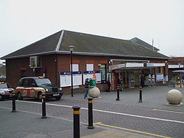 Bromley South stn building.JPG
