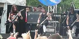 Bullet for My Valentine se apresentando no Earthday Birthday, 2007.