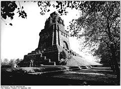Bundesarchiv Bild 183-1988-0929-300, Leipzig, Völkerschlachtdenkmal.jpg