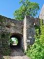 Burg Hohenurach 2012 Tor.jpg