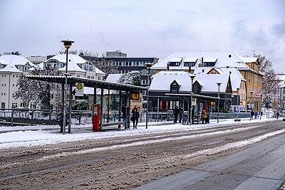 Bushaltestelle-Neckarbrücke-Tübingen.jpg