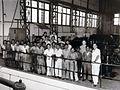 COLLECTIE TROPENMUSEUM Groepsportret met medewerkers van de ANIEM centrale in Semampir TMnr 60052182.jpg