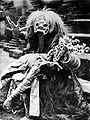 COLLECTIE TROPENMUSEUM Monster uit de Tjalon Arang dans TMnr 10004741.jpg