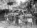 COLLECTIE TROPENMUSEUM Vrouwen en kinderen van de Mentawai-eilanden TMnr 10005484.jpg
