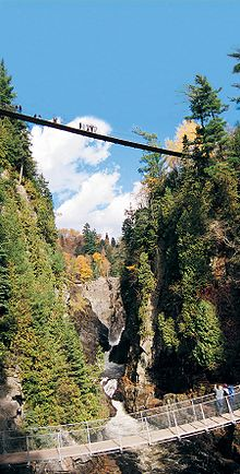 Two foot suspension bridges in Canyon Sainte-Anne