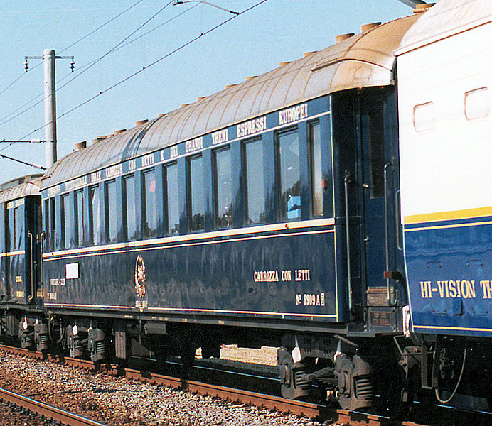 El juego de las imagenes-http://upload.wikimedia.org/wikipedia/commons/thumb/3/33/Carrozza_con_letti_No.3909_A_ORIENTEXPRESS%2788.jpg/692px-Carrozza_con_letti_No.3909_A_ORIENTEXPRESS%2788.jpg