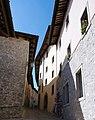 """Castelmonte, Weg zur Wallfahrtskirche """"Jungfrau Maria"""" in der Provinz Udine, Friaul-Julisch Venetien.jpg"""