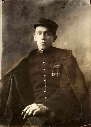 Swiss Blaise Cendrars (1887-1961) posing in his Foreign Legion uniform in 1916, a few months after the amputation of his right arm. - French Foreign Legion