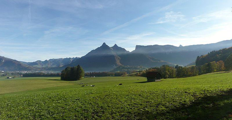 File:Château de Gruyères & Gruyère from Le Pâquier-Montbarry (Le Pâquier (Fribourg)) (autumn) Panorama 6.jpg