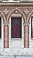Chartres, Maison 15 place du Général-de-Gaulle 02 fenêtre.jpg