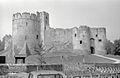 Chepstow Castle (3720926997).jpg