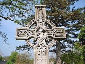 Chippiannock Cemetery - Celtic Cross near entrance, designed by Alexander Stirling Calder